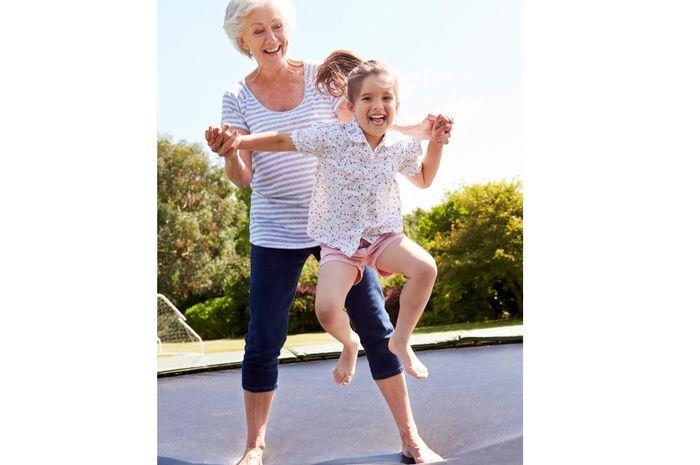 Umur orangtua Moms lebih panjang bila melakukan hal sederhana ini