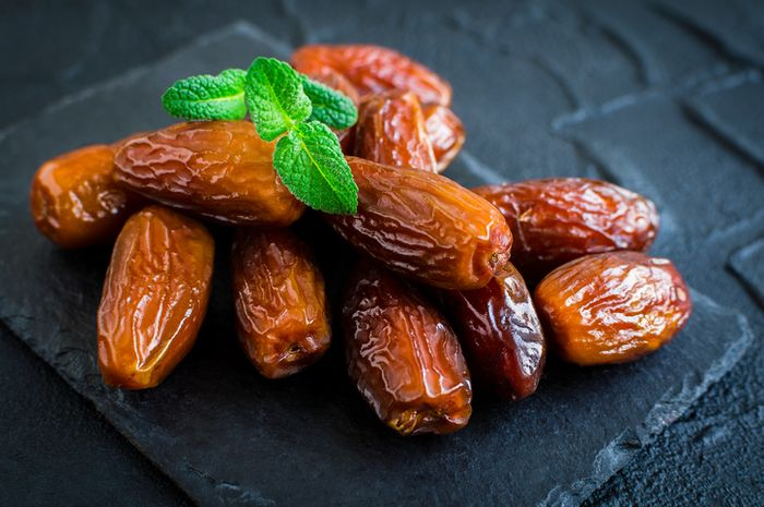 Kurma mengandung karbohidrat tinggi, salah satu komponen pentingnya adalah fruktosa.