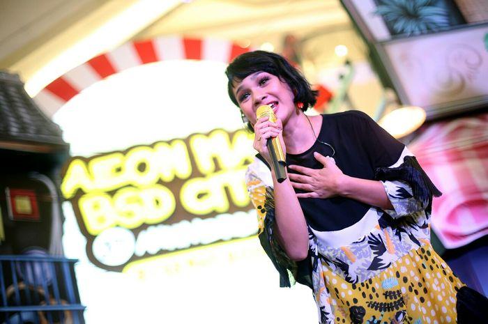 Andien Aisyah Hibur Para Penggemarnya di AEON Mall BSD City