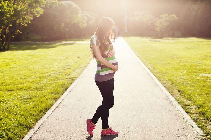 Moms, lakukan persiapan bila ingin olahraga saat hamil. Penting, lho!