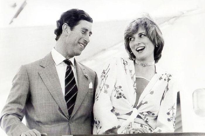 Pangeran Charles dan Putri Diana sedang berbulan madu