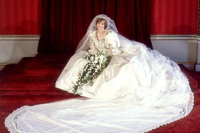 Ada pesan tersembunyi di bawah sepatu pernikahan Putri Diana