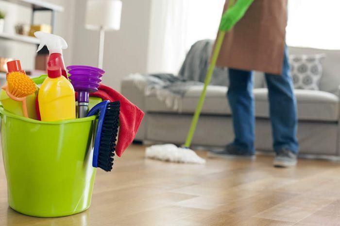 Membersihkan rumah yang salah