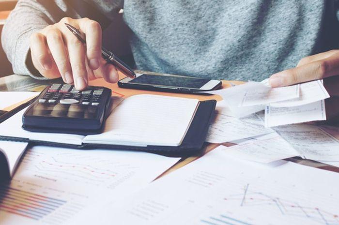 Merencanakan keuangan.