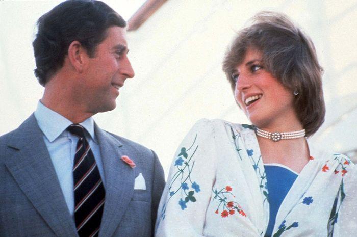 Tanda cinta Putri Diana untuk Pangeran Charles.