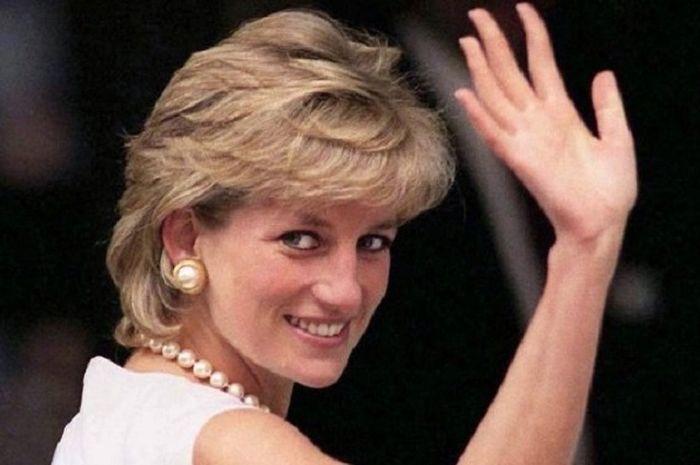 Putri Diana meninggal akibat kecelakaan mobil pada 31 Agustus 1997.