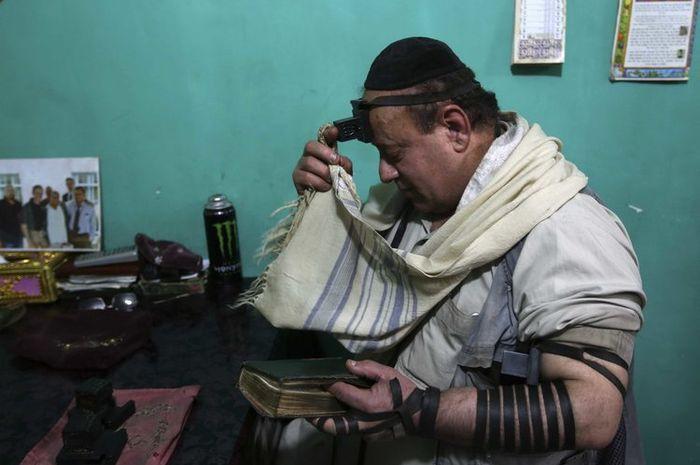 Zabulon Simintov, Yahudi terakhir di Afghanistan.