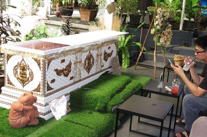 Kafe kematian di Bangkok