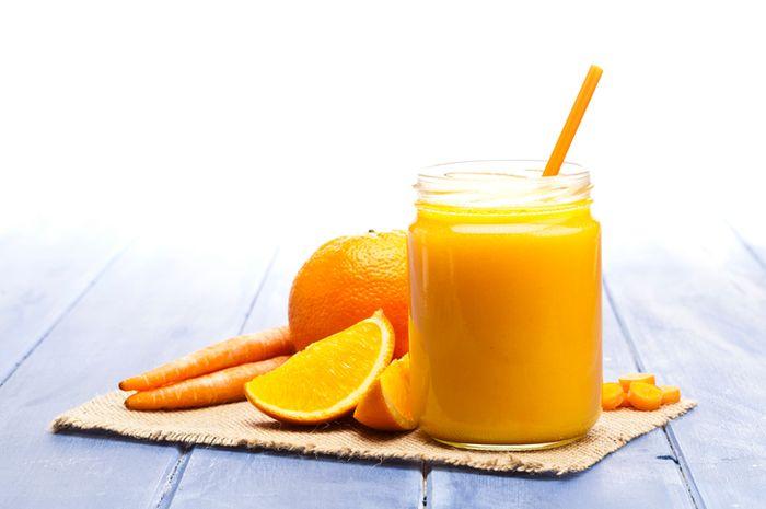 Jus wortel dan jeruk.