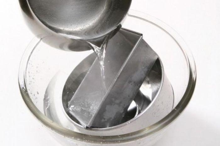 Cara mencuci loyang yang tepat