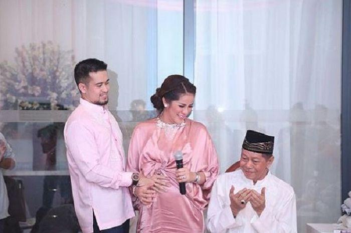 Olla Ramlan dan Aufar Hutapea bersama Alm.Muhammad Ramlan