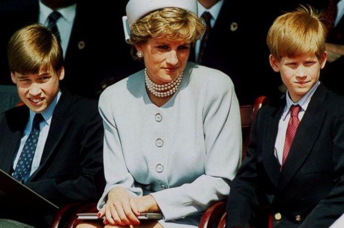 yang menenangkan William dan Harry setelah Diana meninggal