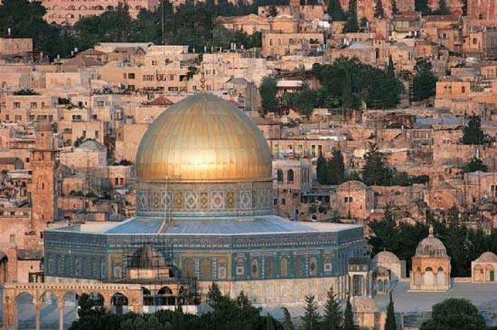 Dome of the Rock, berada di kompleks yang sama dengan Masjid Al-Aqsa di Jerussalem