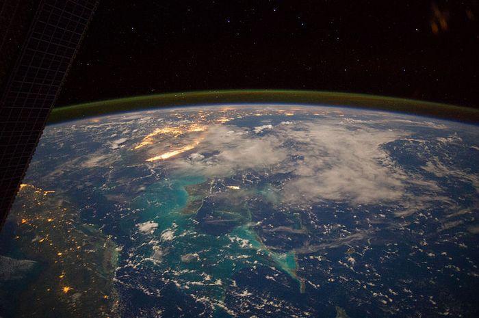 Tur ruang angkasa hanya bisa dilakukan sampai batas suborbital saja.