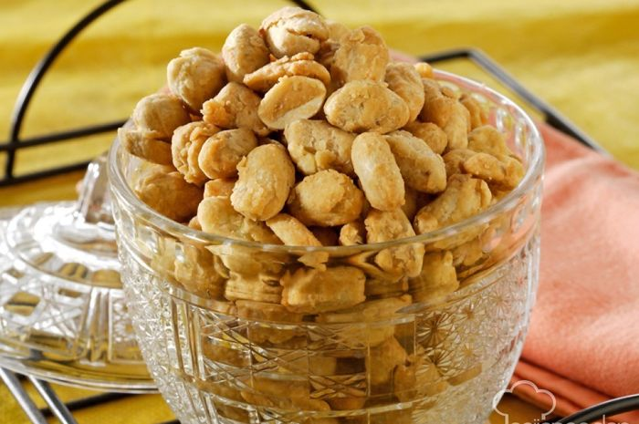 Kacang Goreng Pedas Aroma Daun Jeruk