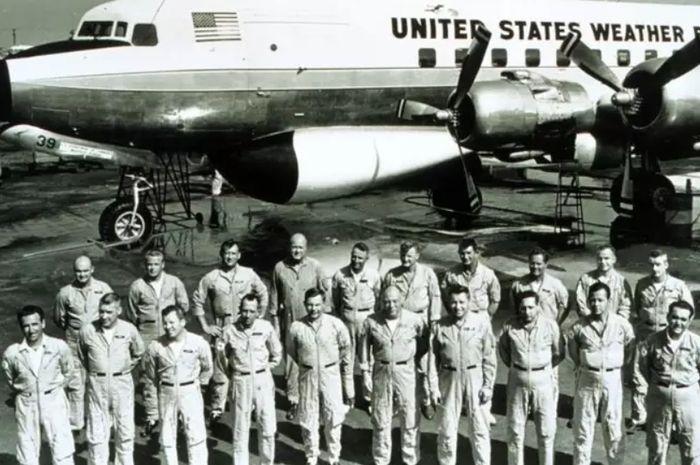 Pada 1960-an, proyek rekayasa cuaca lainnya, 'Stomfury' sedang dilakukan oleh para pilot ini.