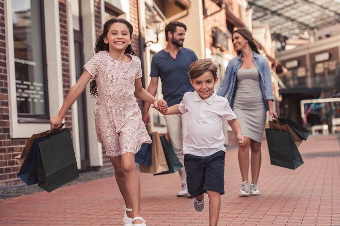 Jalan-jalan Bersama Keluarga