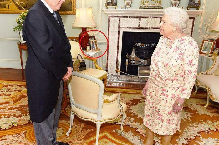 Hanya Satu Minggu, Foto Pangeran Harry dan Meghan Markle Dipindahkan Ratu