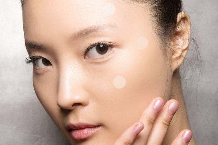 Intip 5 Kegunaan Pimple Patch yang Bisa Merawat Jerawat Kita