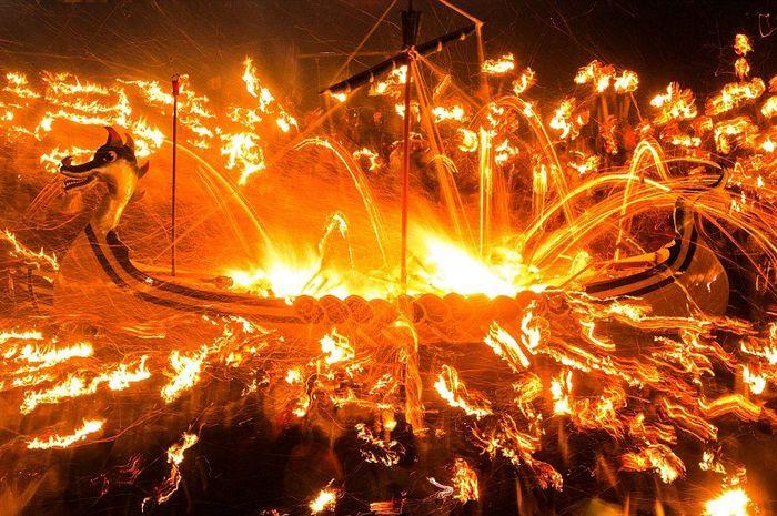 Tradisi pemakaman Viking