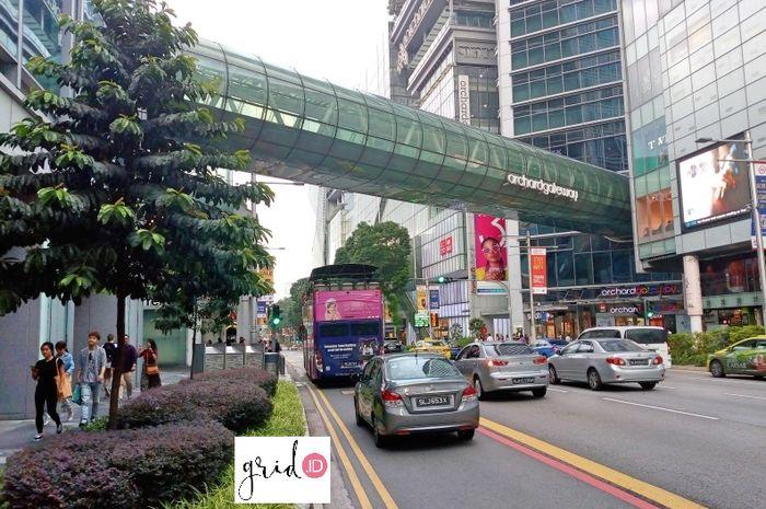 Suasana Orchard Road, tempat paling favorit bagi wisatawan, baik dari Indonesia maupun dari hampir semua negara, pada akhir buan Mei 2018