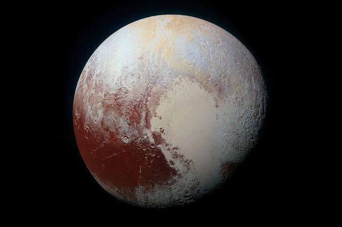 Pluto bukanlah sebuah planet ataupun komet, tapi planet kerdil.