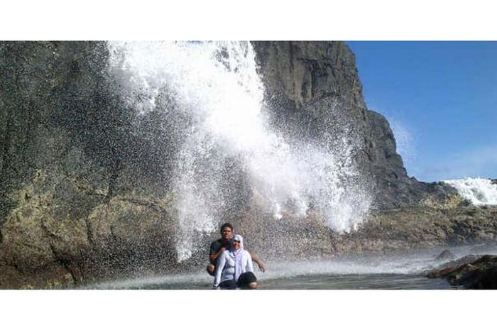 Air Terjun Laut di Lombok