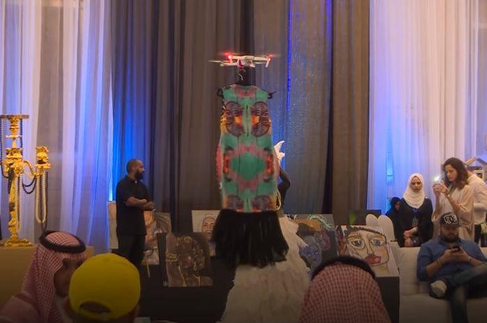 Fashion Show di Jeddah Buat Penontonnya Merinding