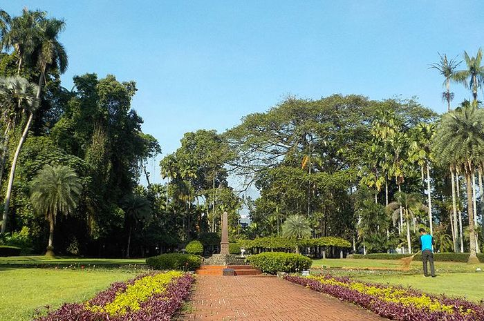 Kebun Raya Bogor dulu hanya merupakan sebuah taman di halaman istana.
