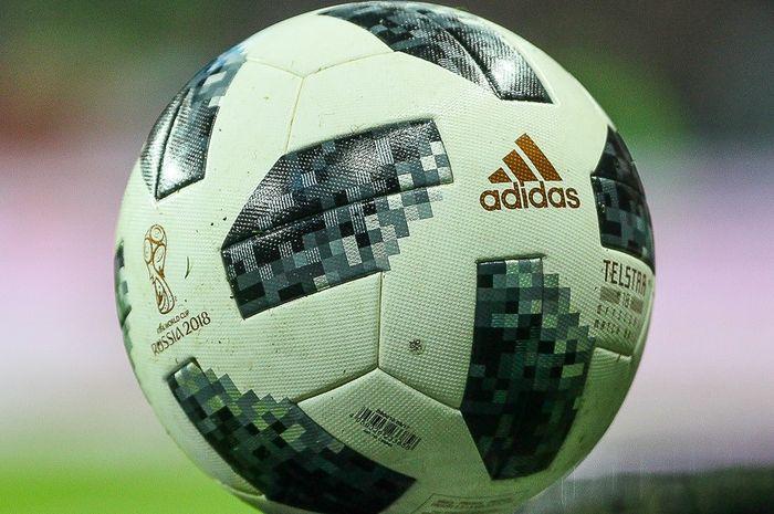 Adidas Telstar 18 digunakan untuk Piala Dunia 2018 di Rusia.