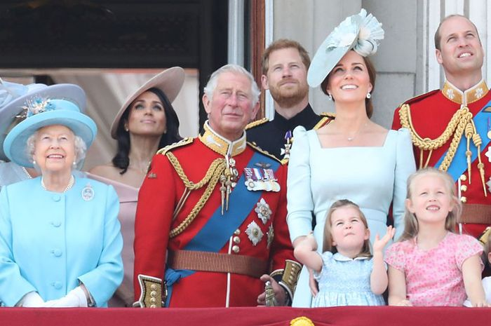 Potret Keluarga Kerajaan Inggris