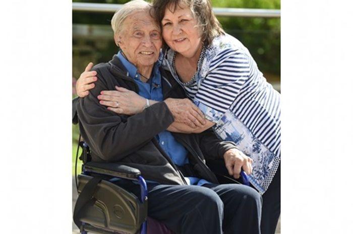 Dementia, seorang suami melamar istrinya lagi.