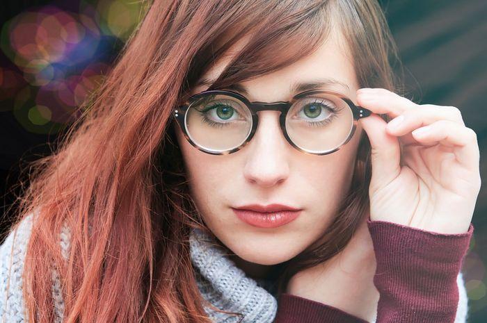 Tips memilih kacamata agar pas dan nyaman dikenakan