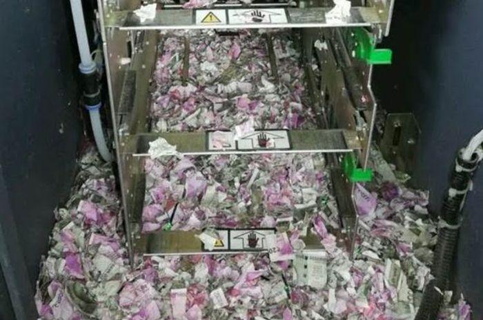 Waduh Uang Rp 250 Juta dalam Mesin ATM India Digerogoti Tikus!