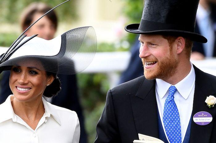 Romantis! Hadiri Royal Ascot, Pangeran Harry Ogah Lepaskan Tangan Meghan