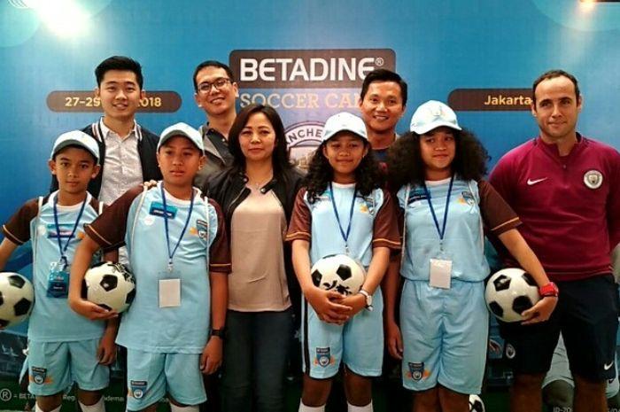 Betadine Soccer Camp diikuti oleh 36 anak dari seluruh Indonesia.