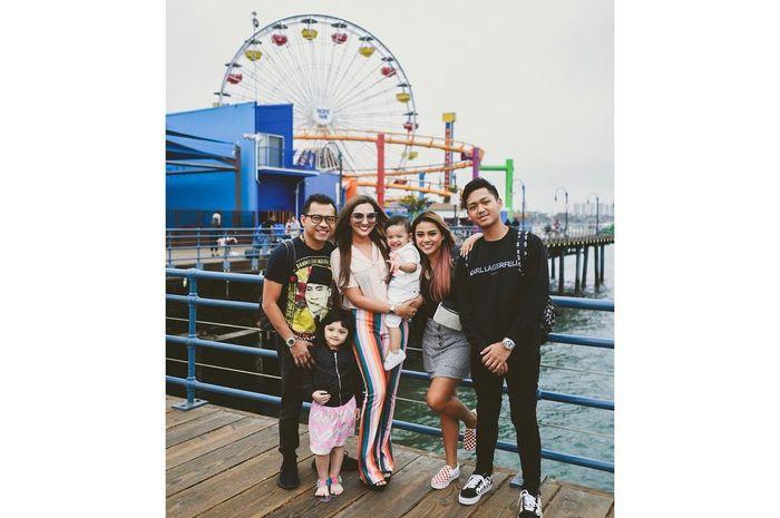 Keluarga Ashanty berlibur di Los Angeles