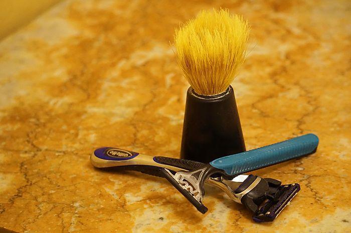 Mencukur rambut kemaluan boleh, asal perhatikan alat-alatnya.