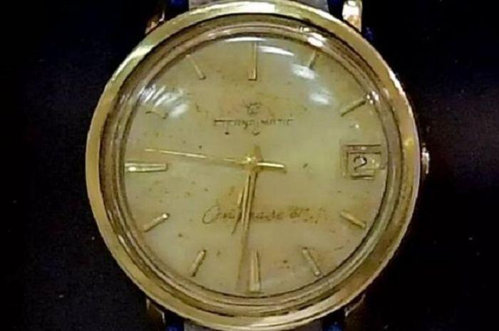 Jam tangan mendiang Eli Cohen.