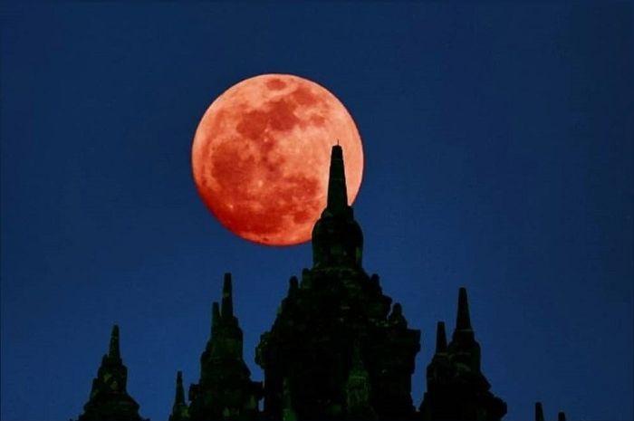 Gerhana Bulan Total.