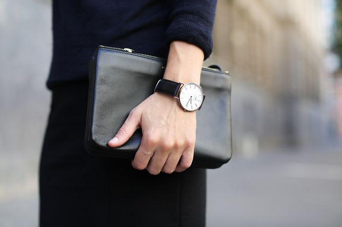 Cara menggunakan jam tangan tunjukkan kepribadian