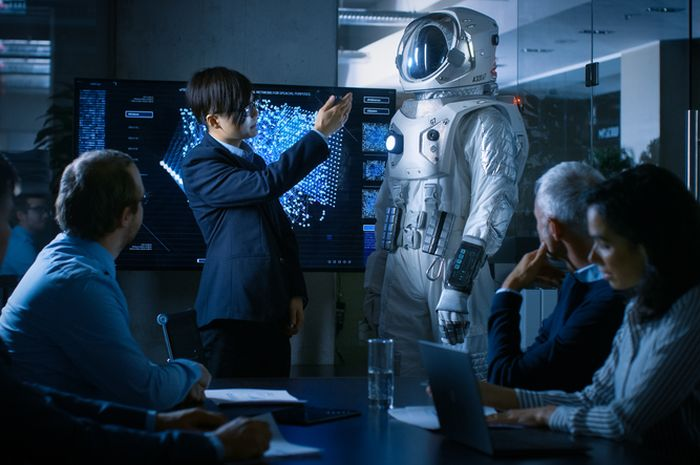Pembahasan ide terkait teknologi luar angkasa.