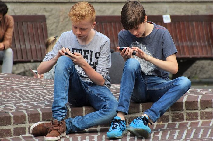 Waktu aman bermain ponsel.