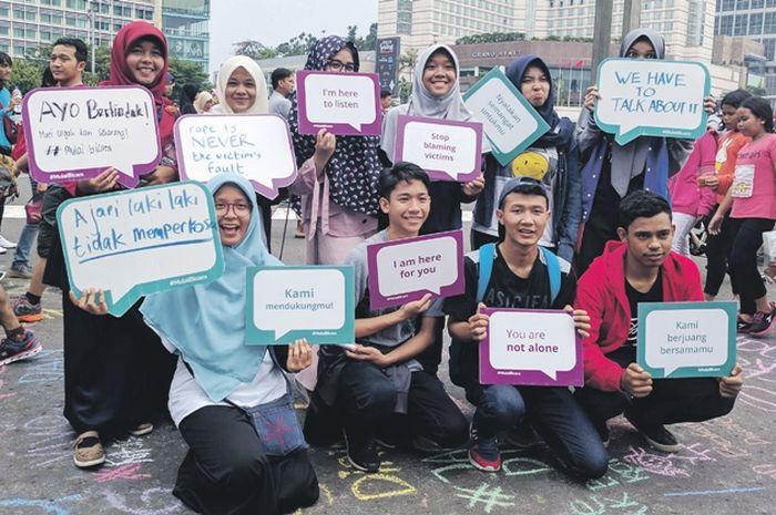 Salah satu aktivitas berupa kelas dan kampanye anti pelecahan seksual dari Hollaback! Jakarta