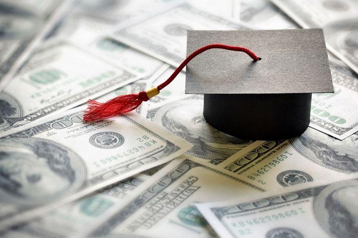 ilustrasi biaya kuliah
