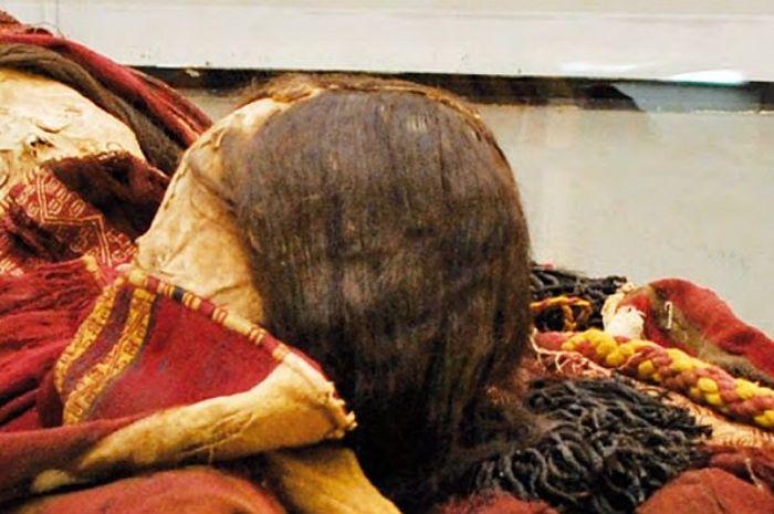 Mumi dua gadis korban ritual