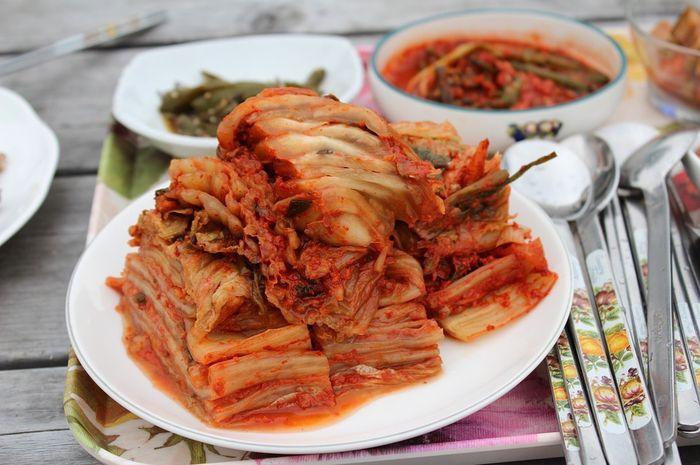 Manfaat tak terduga dari mengonsumsi kimchi