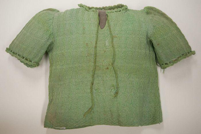 Baju hangat yang berhasil menyelamatkan Kristine Keren saat Holocaust.