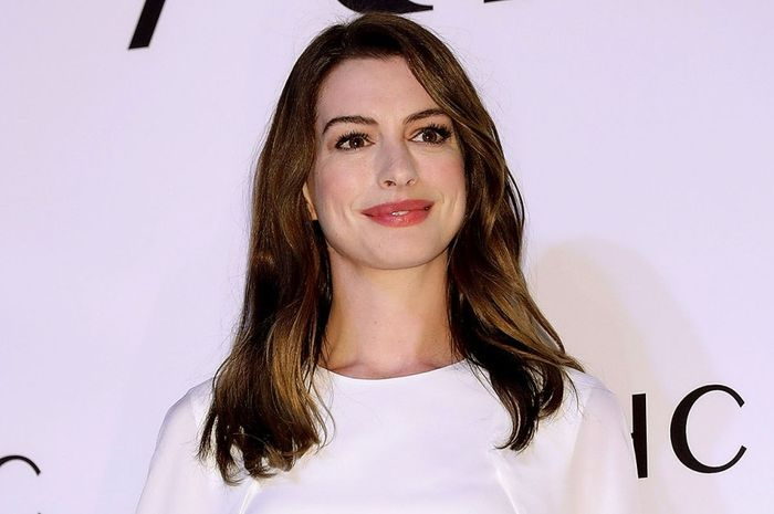 SEOUL, SOUTH KOREA - FEBRUARY 27:  Actress Anne Hathaway attends the photocall for the 'AHC' on Febr