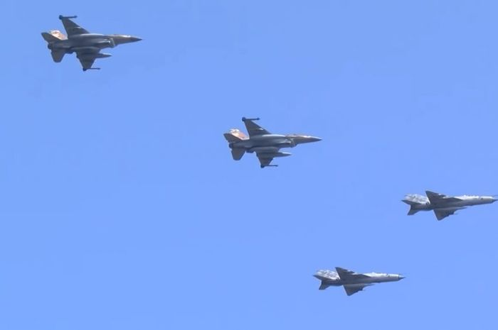 F-16 Isarel terbang bersama MIG-21 Kroasia